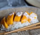 Riz gluant grillé avec mangue